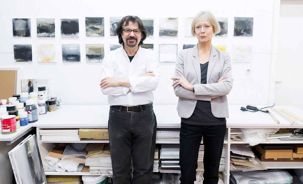 Galerie Hashemi Vor über 15 Jahren gründeten Hassan Hashemi und Petra Frixe die Galerie Hashemi in der Rathaus-Galerie. Die beiden Künstler kennen sich seit der Studienzeit und teilen sich auch ein gemeinsames Atelier. Angeboten werden neben den eigenen Werken auch Kunst- und Digitaldrucke, Einrahmungen und das Aufspannen von Leinwänden auf Keilrahmen.  Willy-Brandt-Platz 15, 42105 Wuppertal, Tel.: 0202 4297467